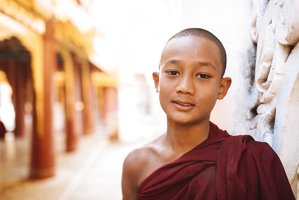 Young Buddhist monk, Bagan (Pagan), Mandalay Region, Myanmar (Burma), Asia - 848-1249