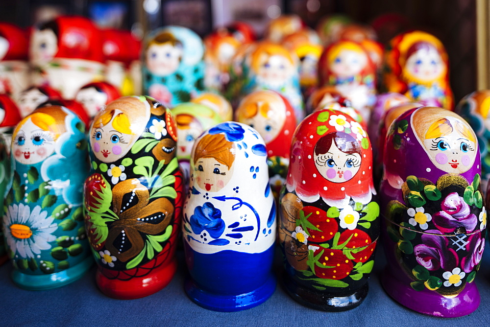 Souvenir Russian dolls for sale, Old Town, Tallinn, Estonia, Europe - 848-1400