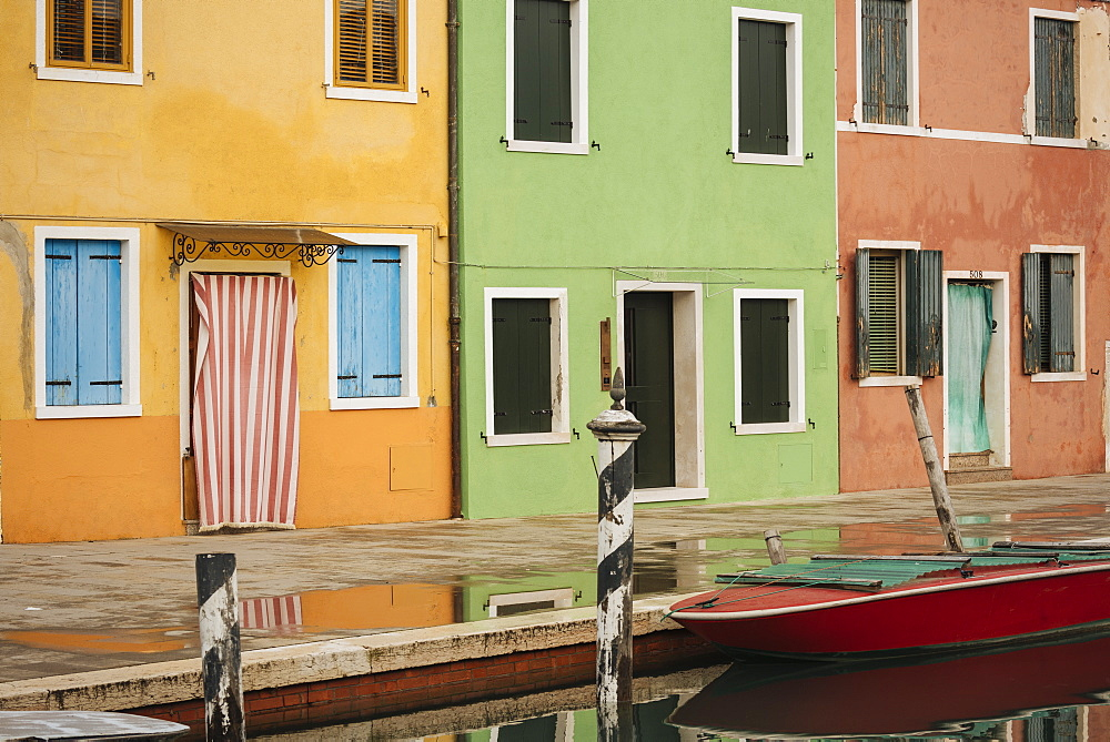 Exterior facades of colourful buildings, Burano, Venice, UNESCO World Heritage Site, Veneto Province, Italy, Europe - 848-1475