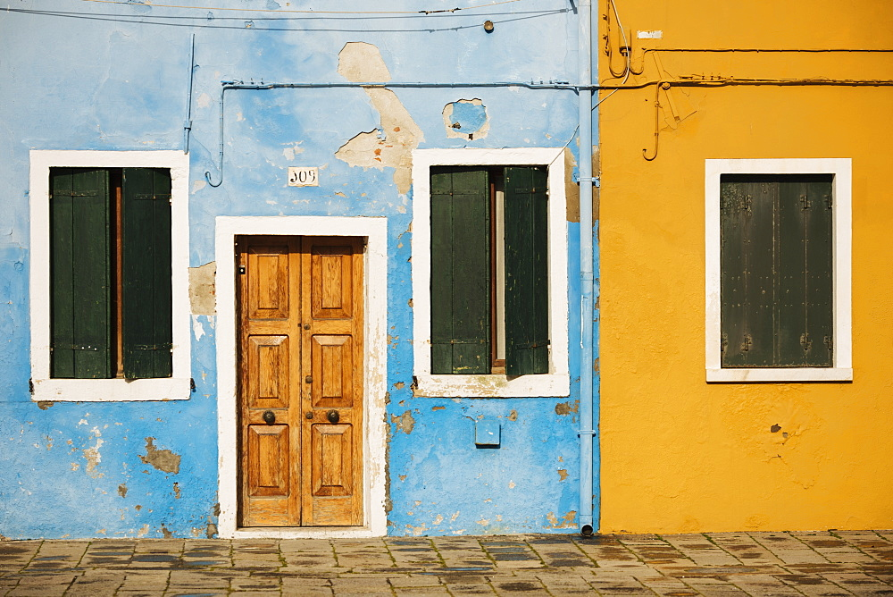 Exterior facades of colourful buildings, Burano, Venice, UNESCO World Heritage Site, Veneto Province, Italy, Europe - 848-1478