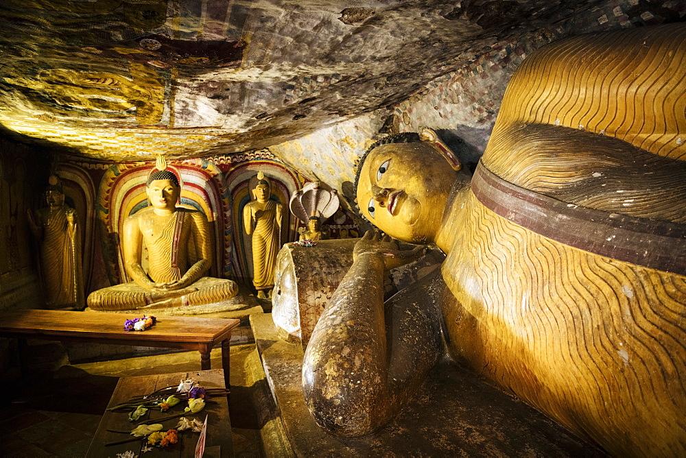 Dambulla Rock Cave Temple, UNESCO World Heritage Site, Central Province, Sri Lanka, Asia