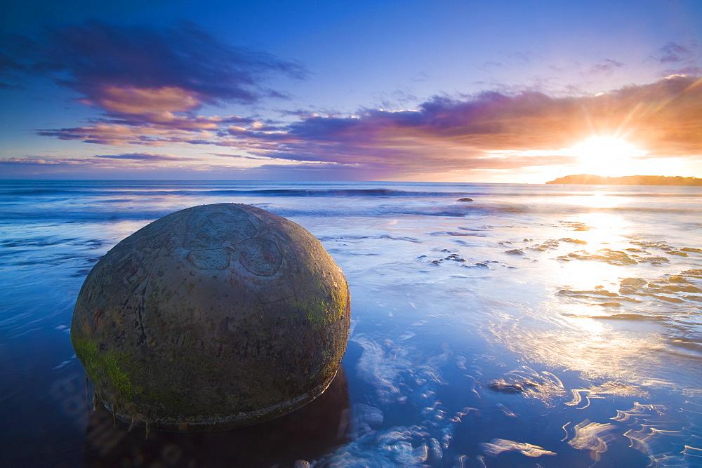 Moeraki Boulders, Otago, South Island, New Zealand, Pacific