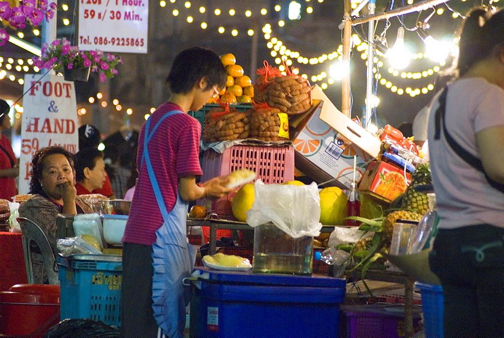Chiang Mai Night Bazaar, Chiang Mai, Chiang Mai Province, Thailand, Southeast Asia, Asia