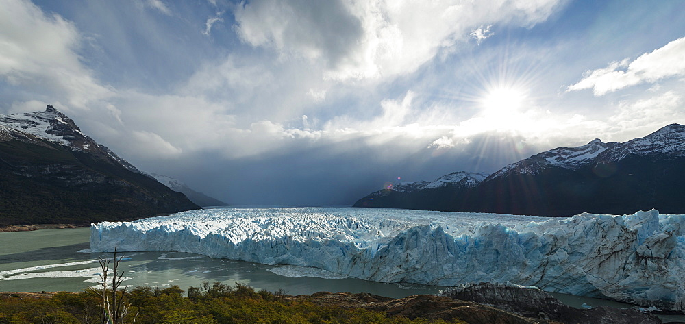 Afternoon light on the Perito Moreno Glacier, Los Glaciares National Park, UNESCO World Heritage Site, Patagonia, Argentina, South America