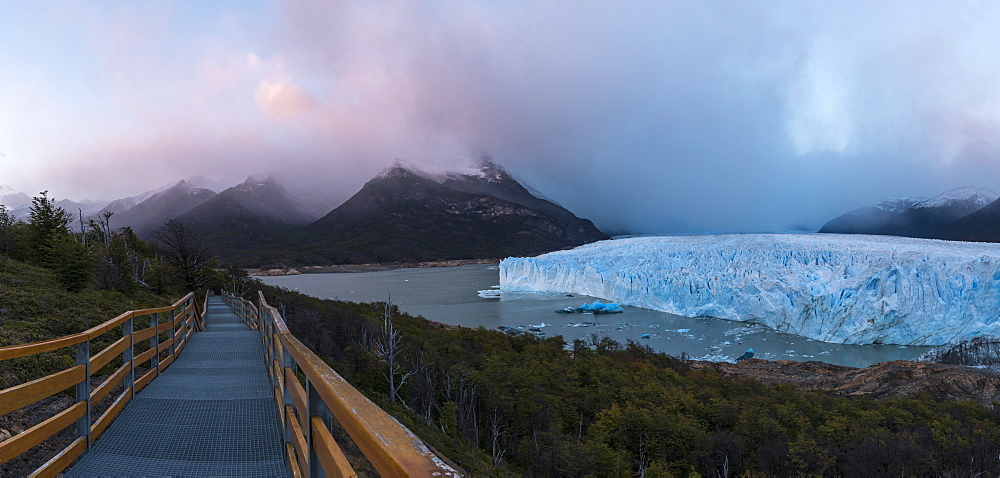 Perito Moreno Glacier at dawn, Los Glaciares National Park, UNESCO World Heritage Site, Patagonia, Argentina, South America