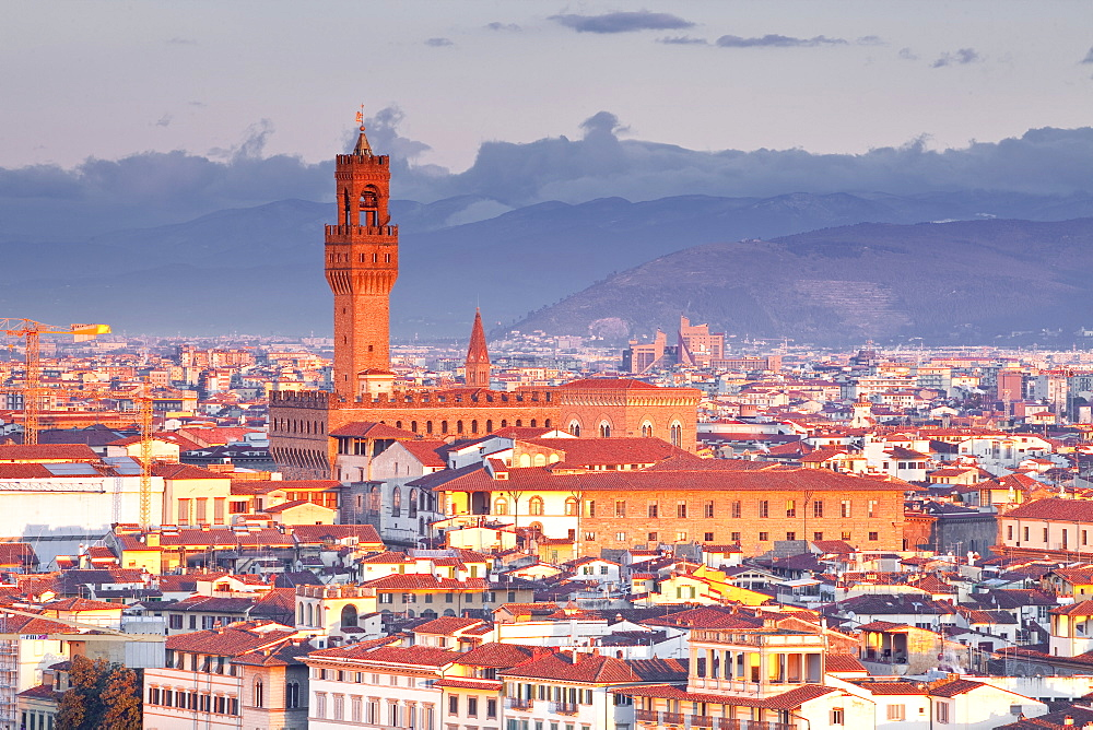 The view from Piazzale Michelangelo over to the historic city of Florence, UNESCO World Heritage Site, Florence, Tuscany, Italy, Europe