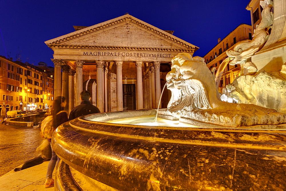 Piazza della Rotonda and The Pantheon, Rome, Lazio, Italy, Europe