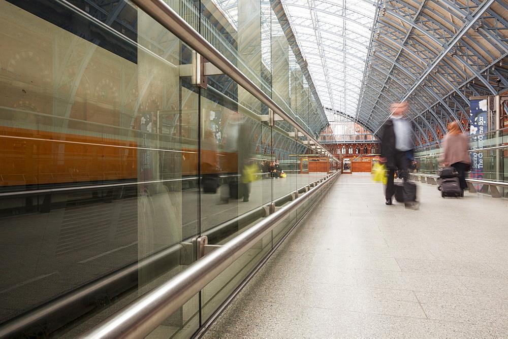 Commuters rushing through St. Pancras International station in London, England, United Kingdom, Europe