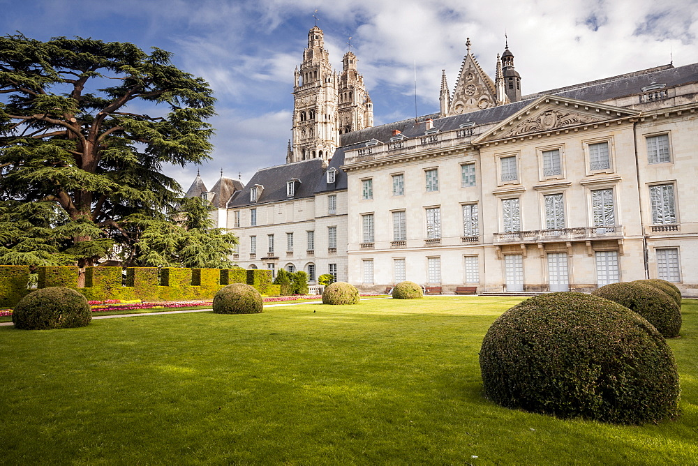 Looking across the gardens of Musee des Beaux Arts with Saint Gatien cathedral behind, Tours, Indre et Loire, Centre, France, Europe