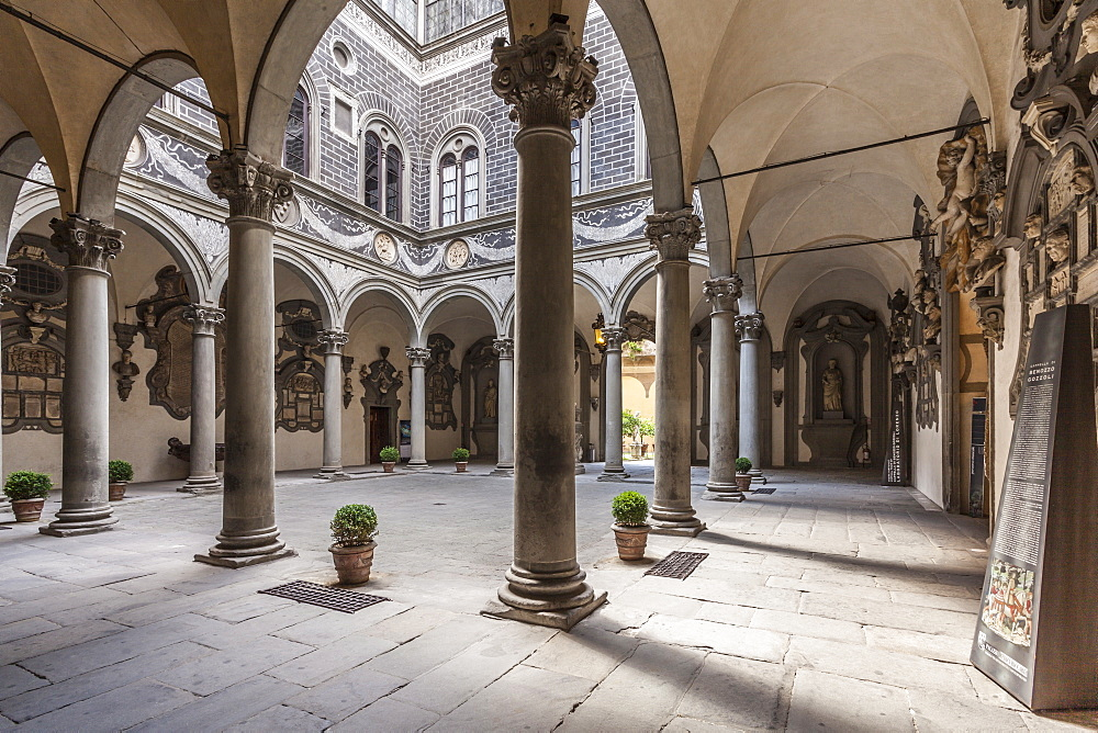 The inner courtyard of the Palazzo Medici Riccardi, Florence, UNESCO World Heritage Site, Tuscany, Italy, Europe