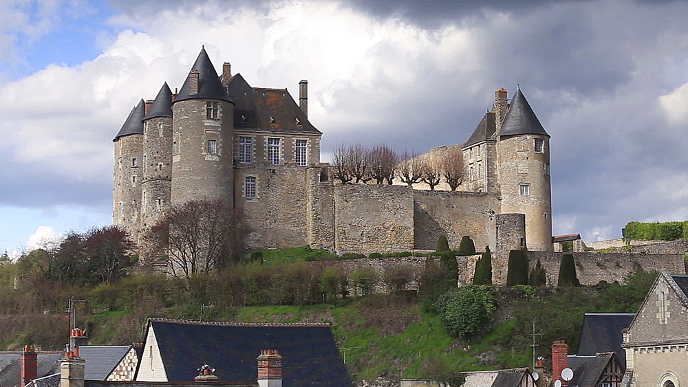 The Chateau de Luynes, Loire Valley, Indre-et-Loire, Centre, France, Europe - 849-1706