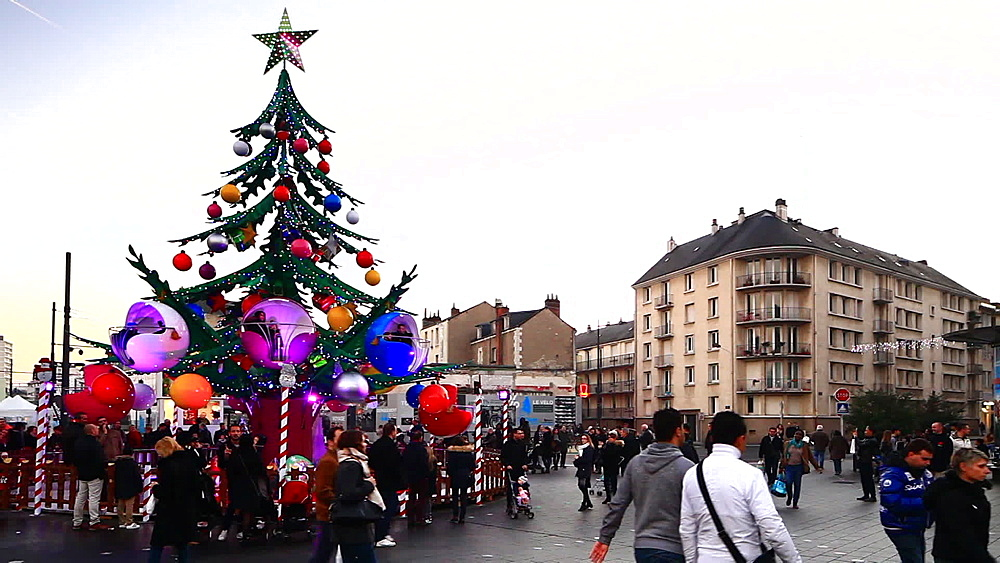 Christmas market scenes, Tours, Indre-et-Loire, Centre, France, Europe - 849-1709