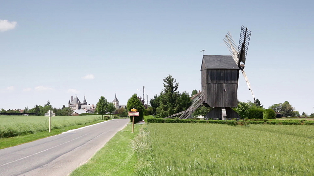 A windmill in the village of Talcy, Loire Valley, Loir-et-Cher. Centre, France, Europe - 849-1721