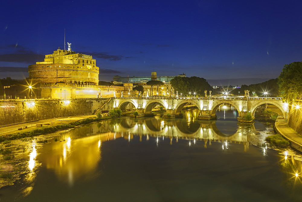 Castel Sant Angelo and Ponte Sant Angelo, UNESCO World Heritage Site, Rome, Lazio, Italy, Europe