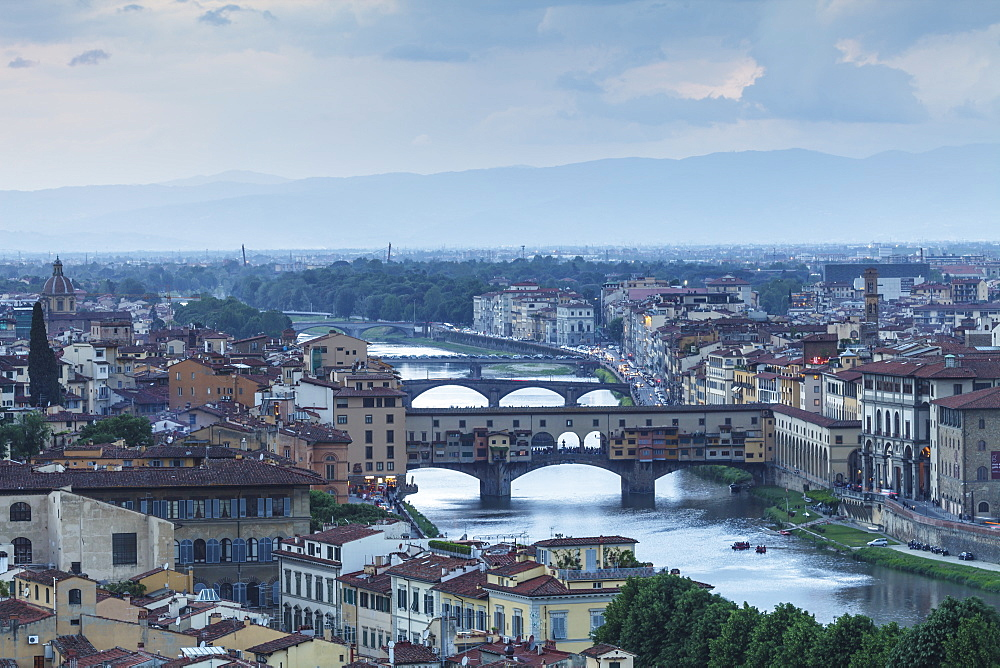 Ponte Vecchio over the River Arno and the historic centre of Florence, Tuscany, Italy, Europe - 849-1782