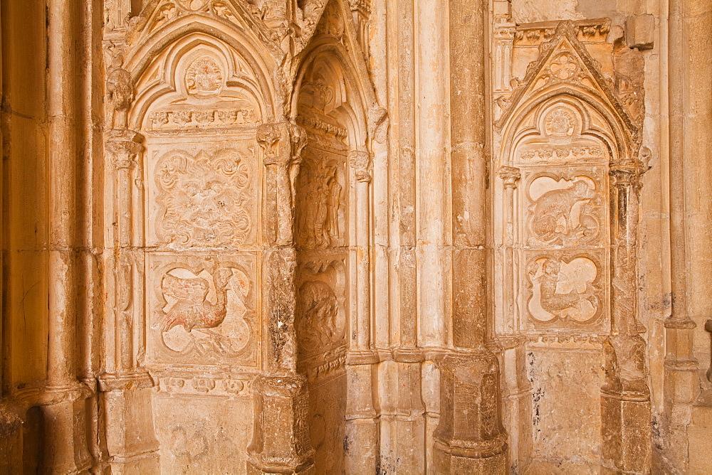 Detail of the sculptures on the Portail de la Grande Chapelle in the Palais des Papes, UNESCO World Heritage Site, Avignon, Vaucluse, France, Europe