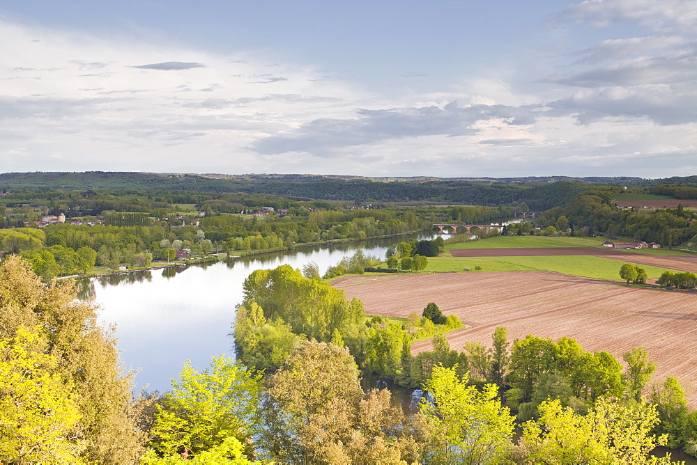 The Cingle de Tremolat and the Valley of the Dordogne, Dordogne, France, Europe