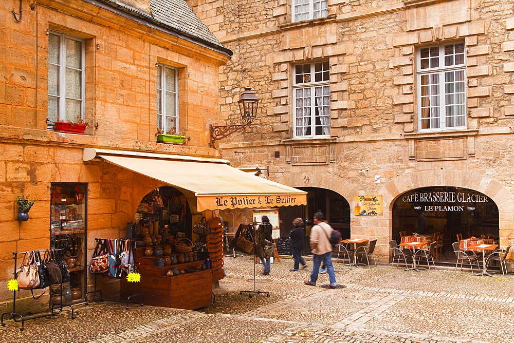 Place du Marche aux Oies in Sarlat la Caneda, Dordogne, France, Europe