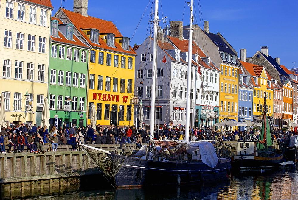 Boats in Nyhavn harbour (New Harbour), Copenhagen, Denmark, Scandinavia, Europe