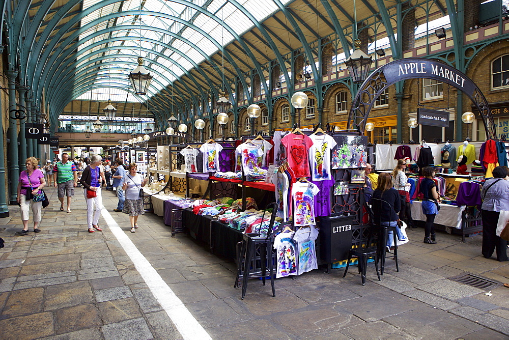 Apple Market, Covent Garden, London, England, United Kingdom, Europe - 851-611