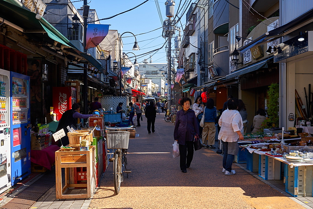 Yanaka Ginza shopping street in Tokyo's traditional Yanaka district, Tokyo, Japan, Asia - 851-806