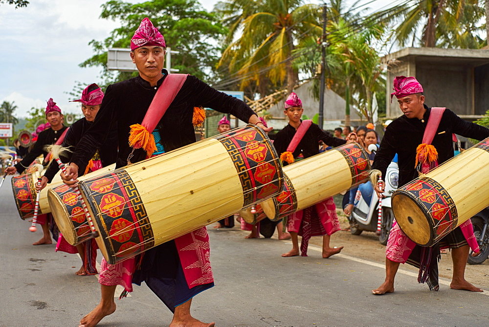 Drummers leading a traditional Sasak wedding procession, Lombok, Indonesia, Southeast Asia, Asia - 851-865
