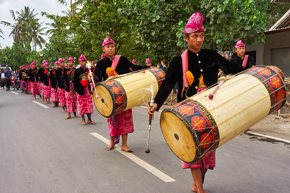 Drummers leading a traditional Sasak wedding procession, Lombok, Indonesia, Southeast Asia, Asia - 851-868