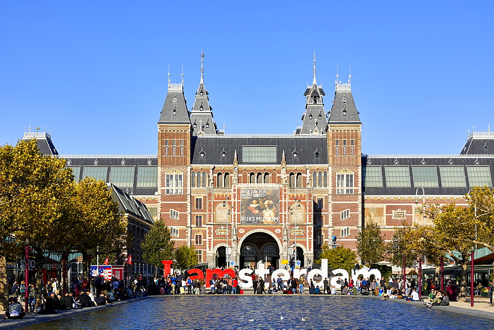 The Rijksmuseum with the IAMSTERDAM sign, Amsterdam, Netherlands. - 851-904