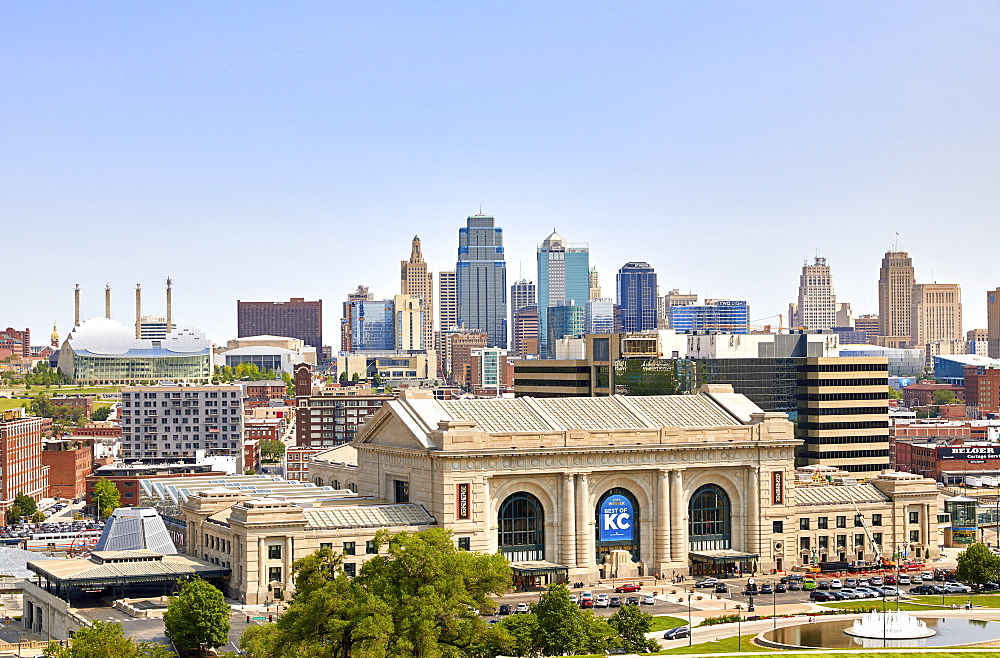 Downtown skyline of Kansas City and Union Station, Kansas City, Missouri, United States of America, North America - 851-929