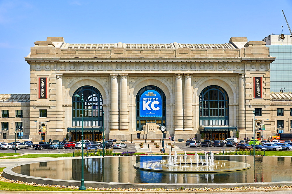 Exterior of Union Station in Kansas City, Missouri. - 851-931