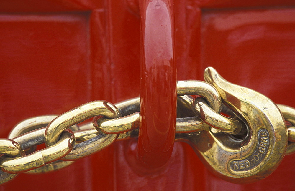 Chain and hook on Budweiser Carriage.