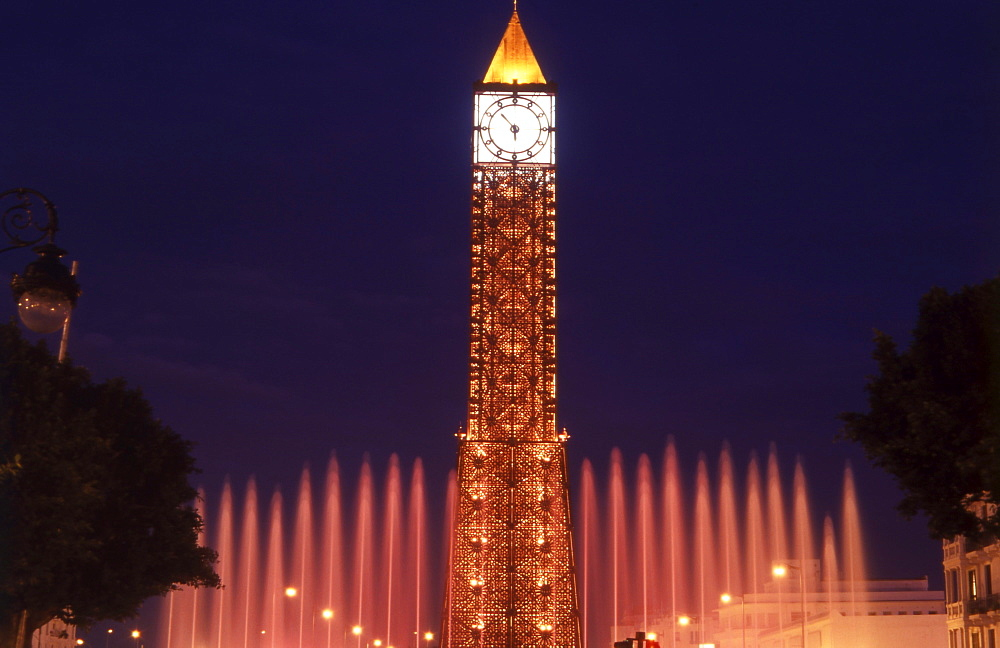 On November 7th 1987, Tunisia's then Prime Minister, Zine el-Abdine Ben Ali, ousted President Bourguiba from office. The clock tower was built to commemorate this.