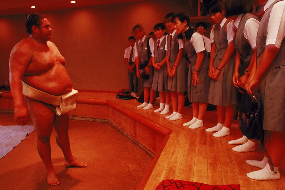 Akebono talking to students about wrestling, Japan, Tokyo, Azumazeki Baya.