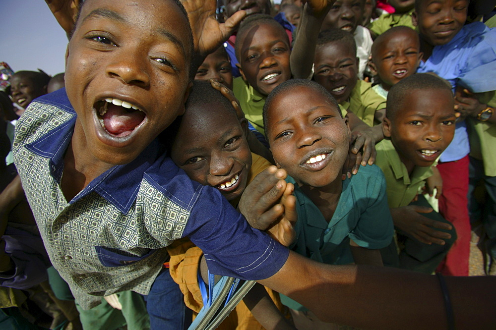 Children pose for the camera in Maradi, Niger.