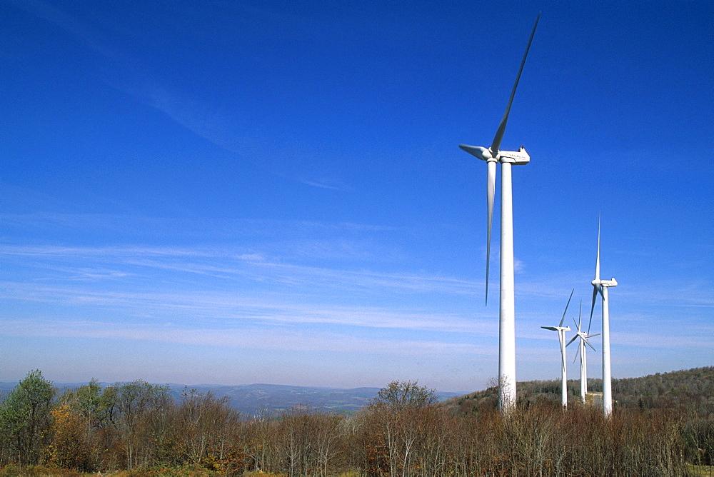 Power generatiing wind turbines outside of Thomas, WV