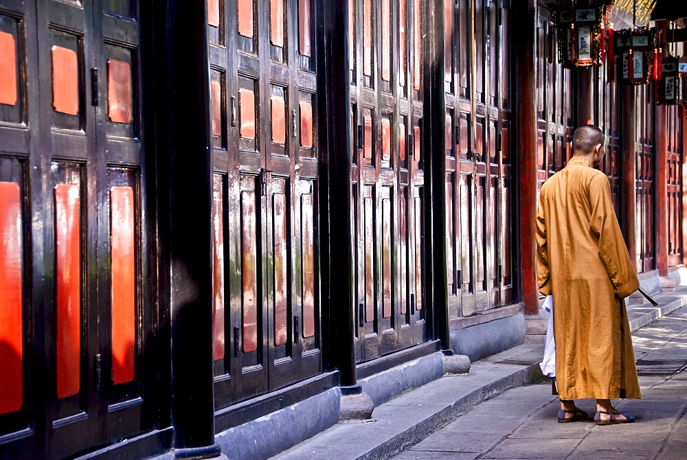 Buddhist monk at the Wenshu Temple in Chengdu. Sichuan. China