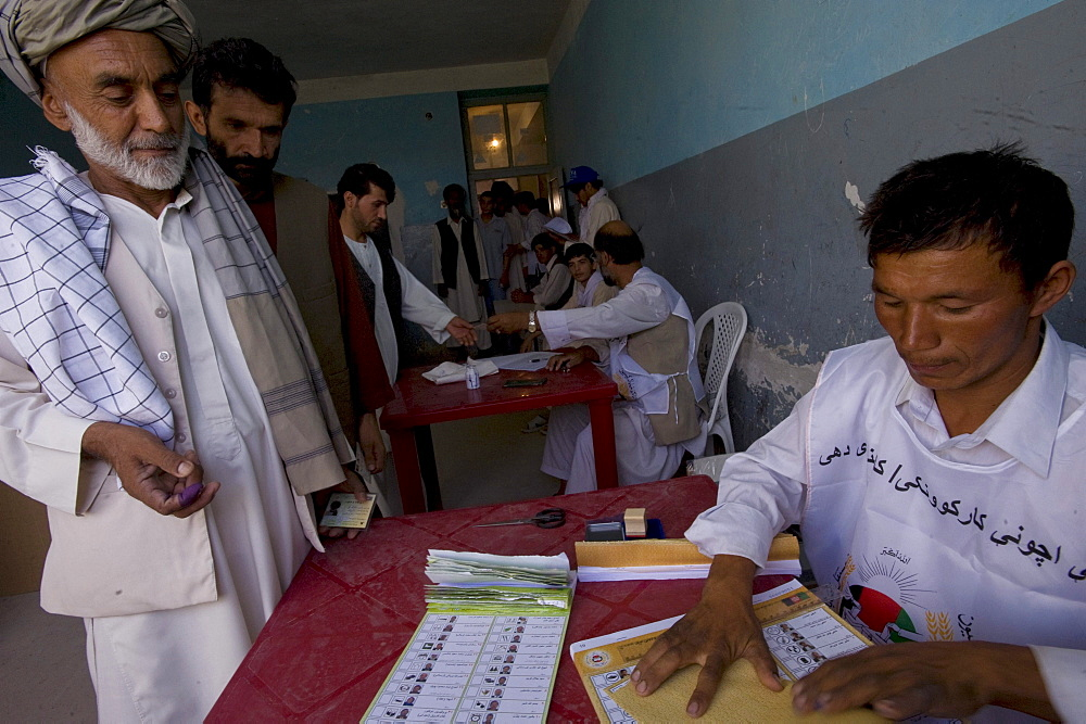 Scenes from voting on the day of presidential and provincial elections in Mazar-i Sharif, Afghanistan.