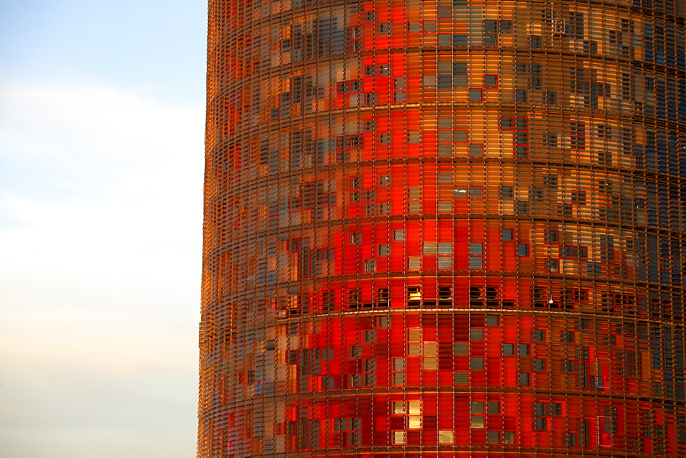 The Torre Agbar (Aguas de Barcelona acronym) is a skyscraper in Barcelona (Spain) located at the confluence of the Diagonal Avenue and Badajoz next to Plaza de las Glorias and marks the gateway to the technological district of Barcelona