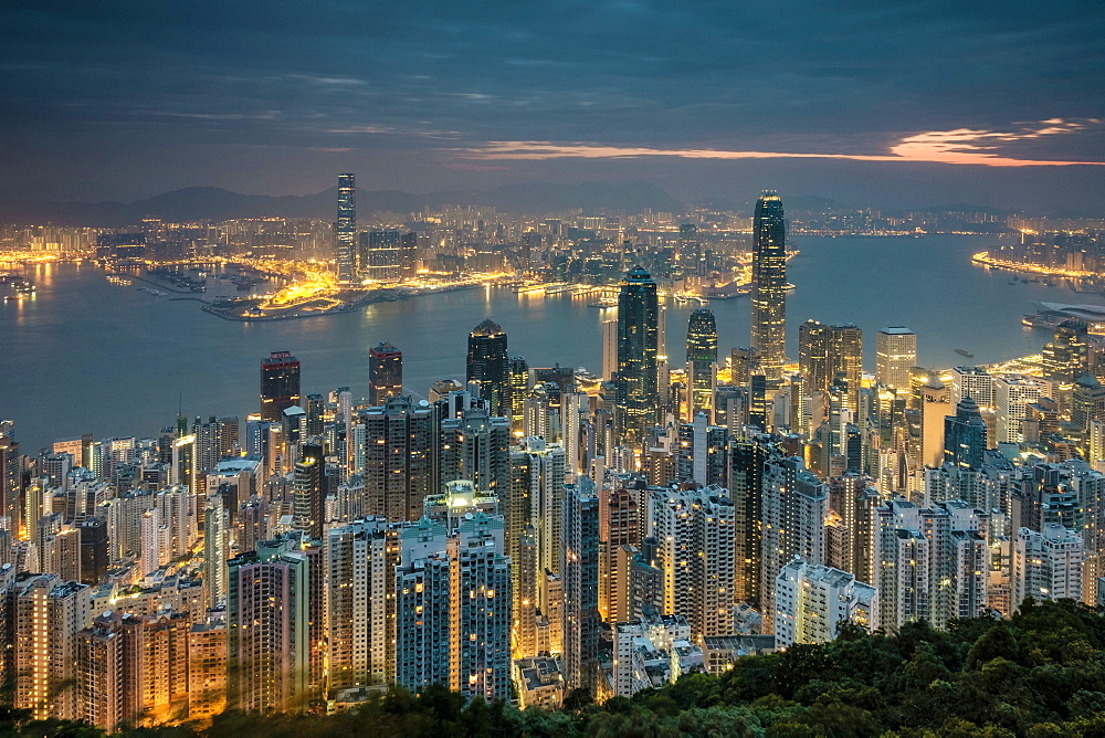 Hong Kong skyline at night from Lugard Road on Victoria Peak