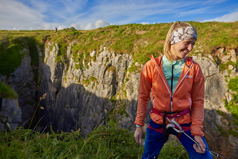 Professional climbers Jacopo Larcher, Barbara Zangerl, Roland Hemetzberger and Lara Neumeier on a climbing trip to Wales, UK. - 857-95533