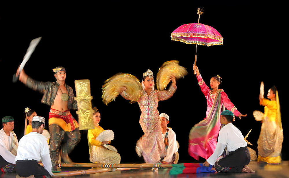Group of Muslim dancers on stage, Villa Escudero, Manila, Laguna, Luzon Island, Philippines