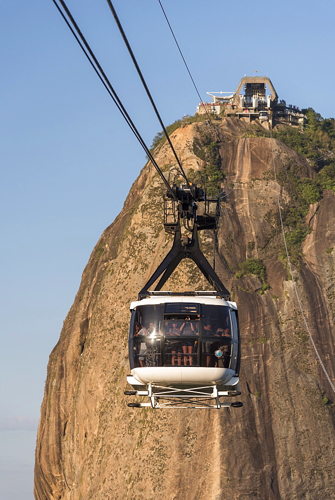 View of tourists riding cable car at?Sugarloaf?Mountain, Rio?de?Janeiro, Brazil