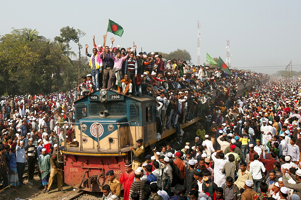 Muslims returning home after the Biswa Ijtema by taking risky ride on an overcrowded train. It is the second largest Muslim pilgrimage after Haj at Tongi, Bangladesh