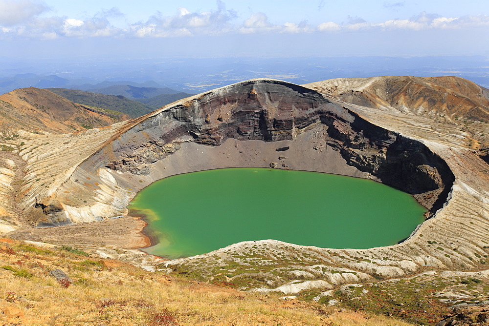 Okama crater lake, Mont Za?, Honshu, Japan.