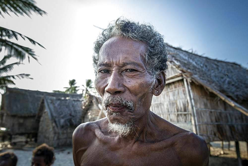 Tara Pacific expedition - november 2017 Yanaba Island, Egum Atoll, Papua New Guinea, Old man of Yanaba.