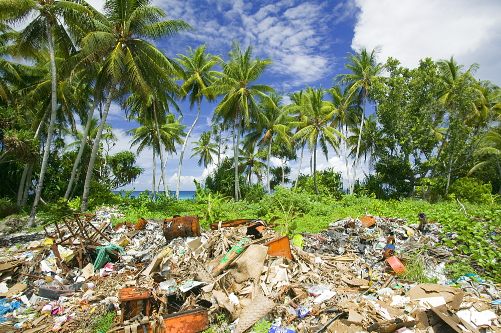Rubbish on Funafuti Atoll, Tuvalu, Pacific - 911-1023