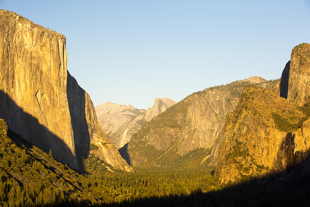 El Capitan, the most famous big wall in the Yosemite Valley, California, USA.