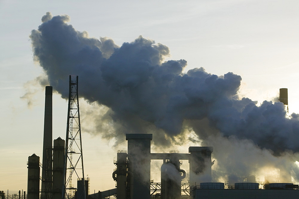 Emissions from the steel plant at Redcar, formerly owned by Corus, now by SSI, Teesside, England, United Kingdom, Europe