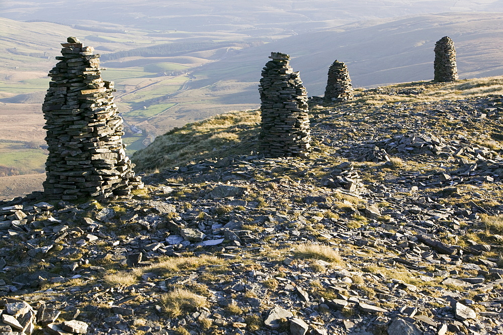 Cairns on Wild Boar Fell in the north Pennines, England, United Kingdom, Europe