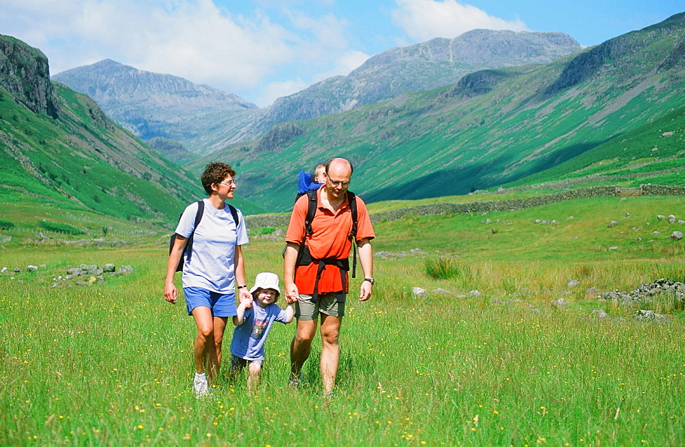 A family walking in Eskdale in the Lake District National Park, Cumbria, England, United Kingdom, Europe